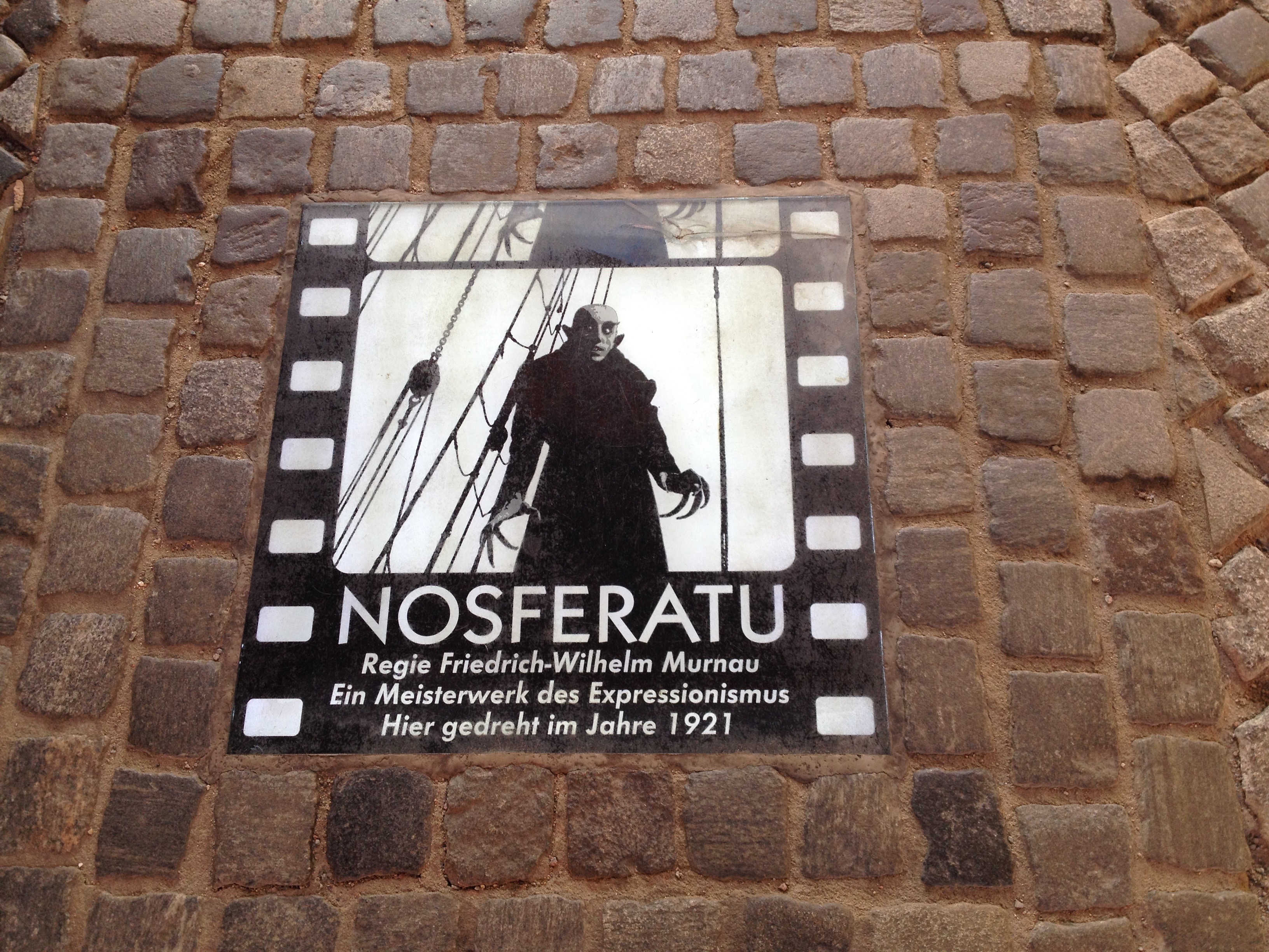 Nosferatu - Gamesforlanguage.com