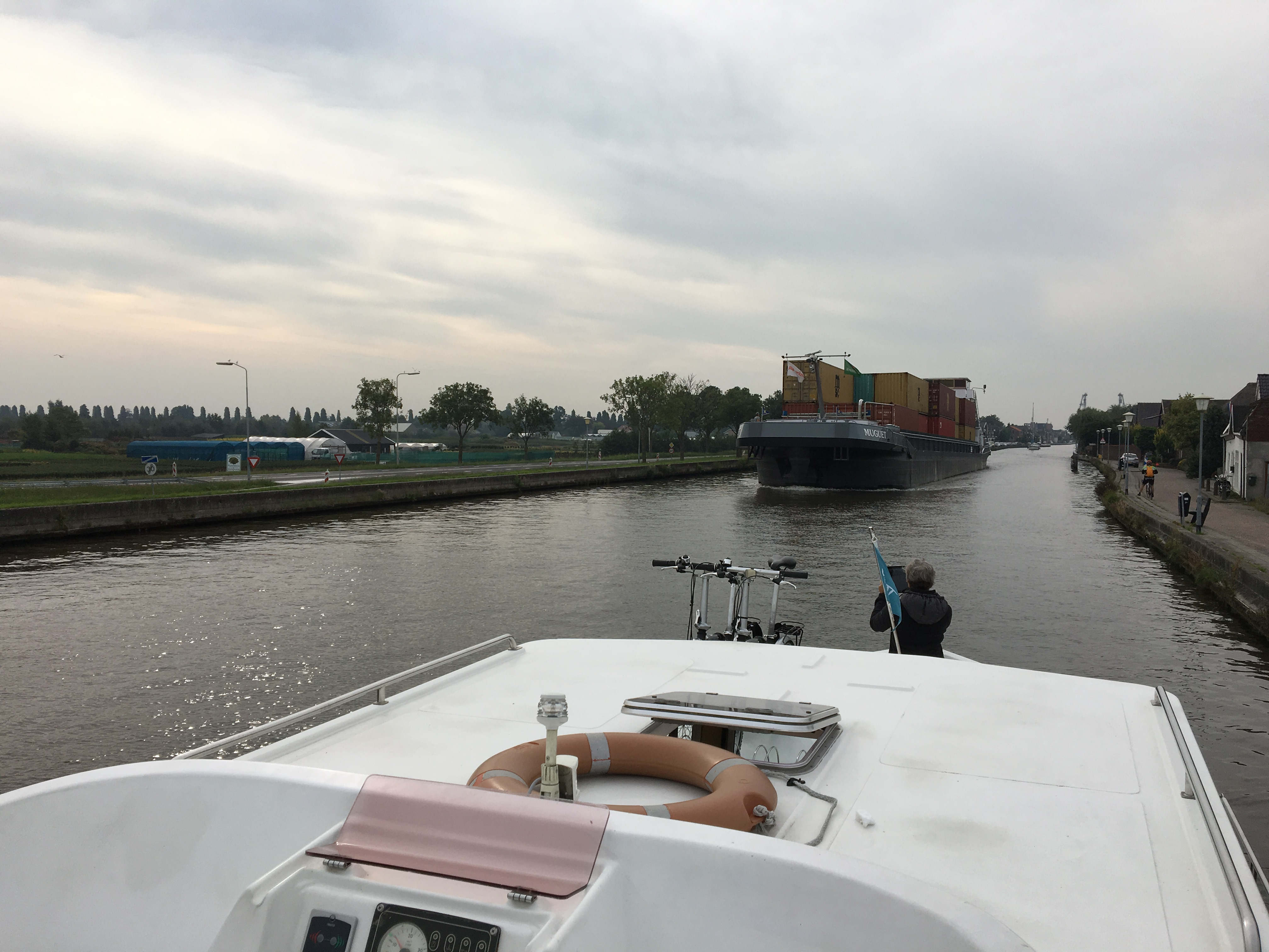 container barge on canal - Gamesforlanguage.com