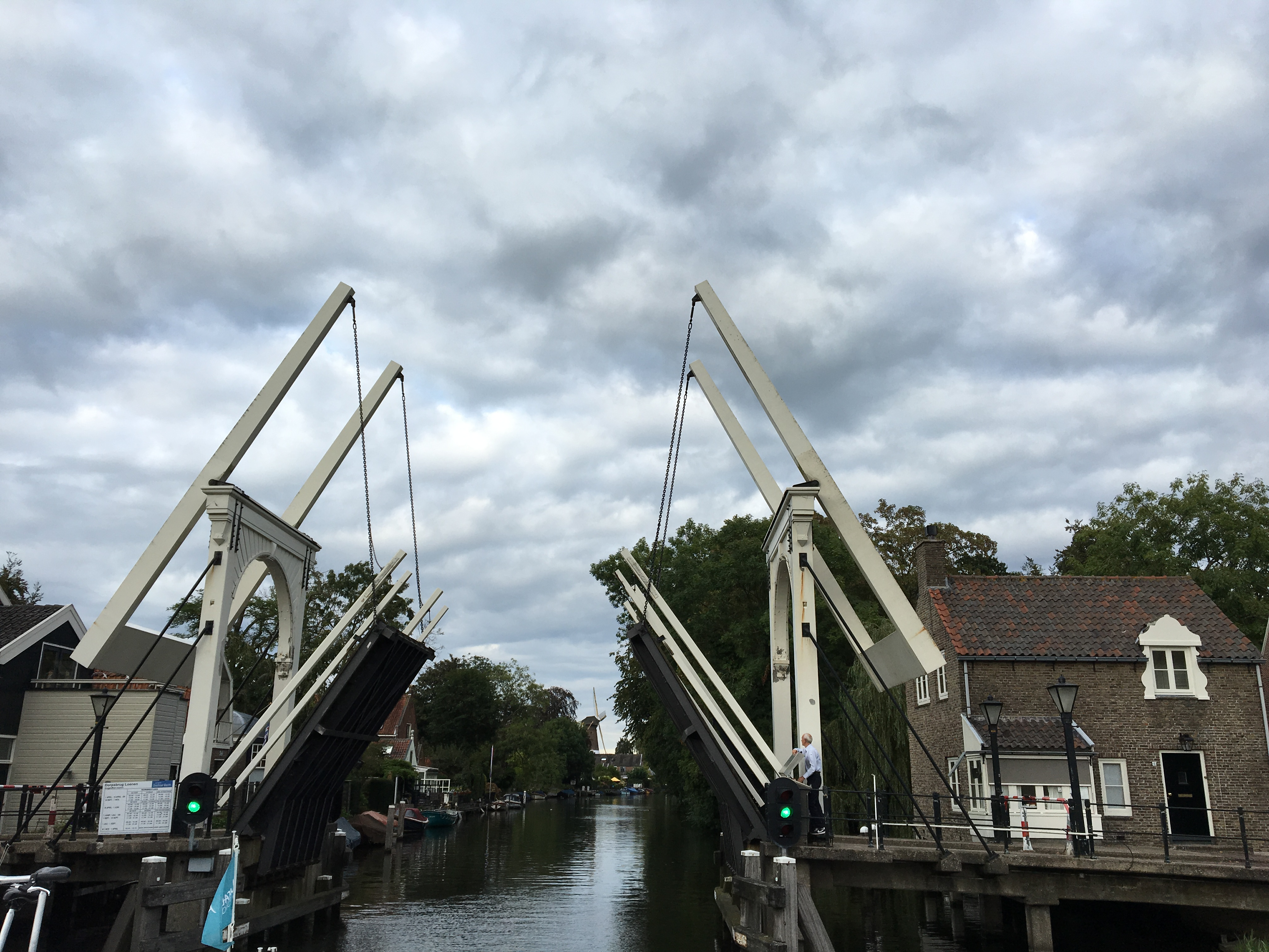 Bridge opening in Loenen