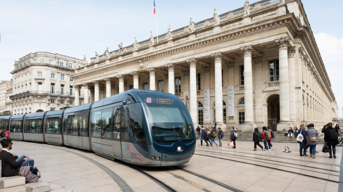 Bordeaux wireless tram