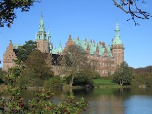 Frederiksborgslot with lake
