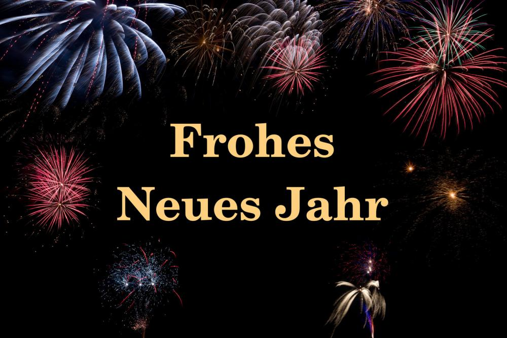 Frohes Neues Jahr with fireworks